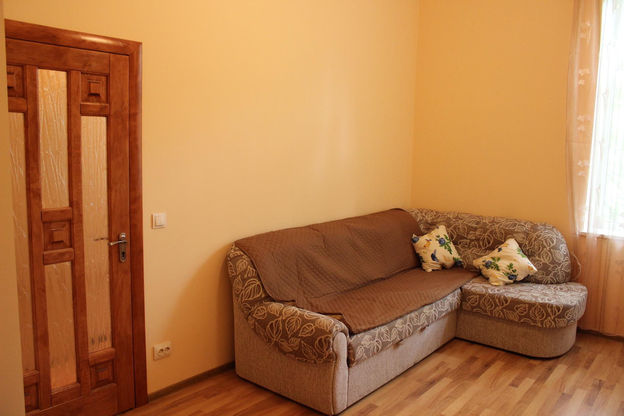 One Bedroom Apartment On Shevchenka Str. 96