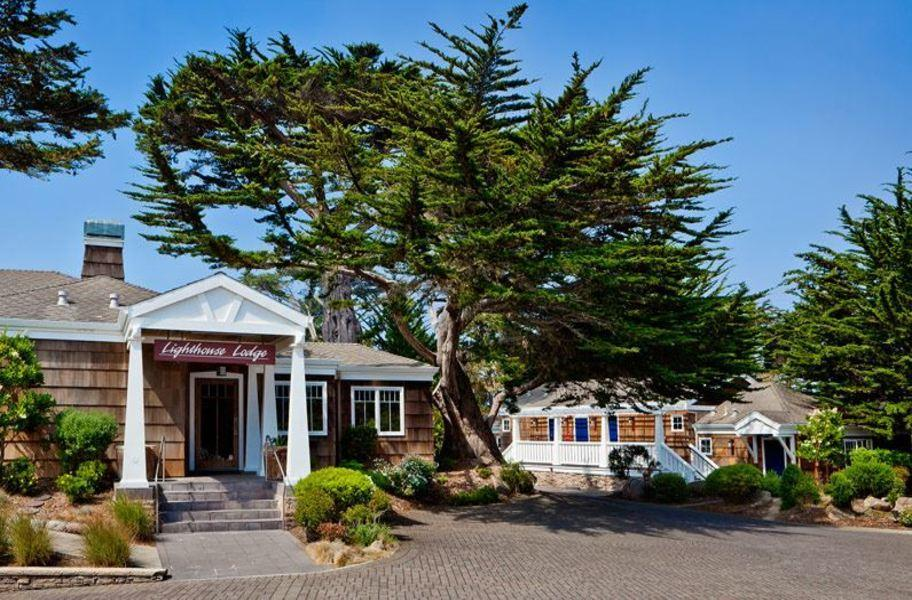 Lighthouse Lodge And Cottages
