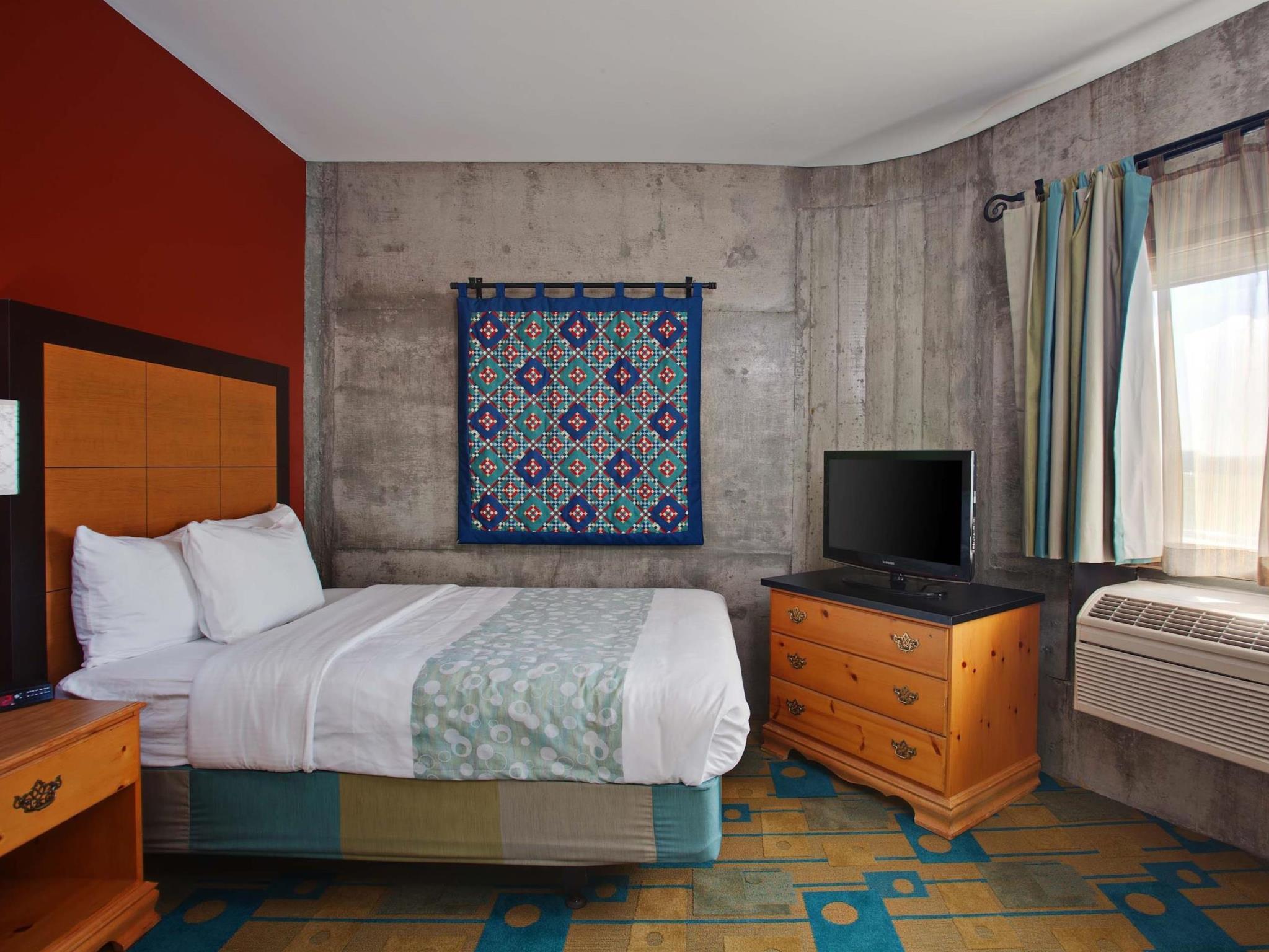 La Quinta Inn And Suites By Wyndham Irvine Spectrum
