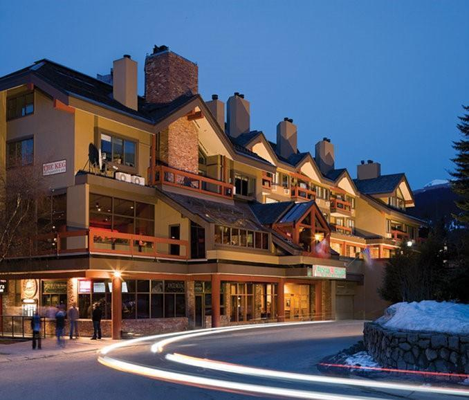 Whistler Village Inn And Suites