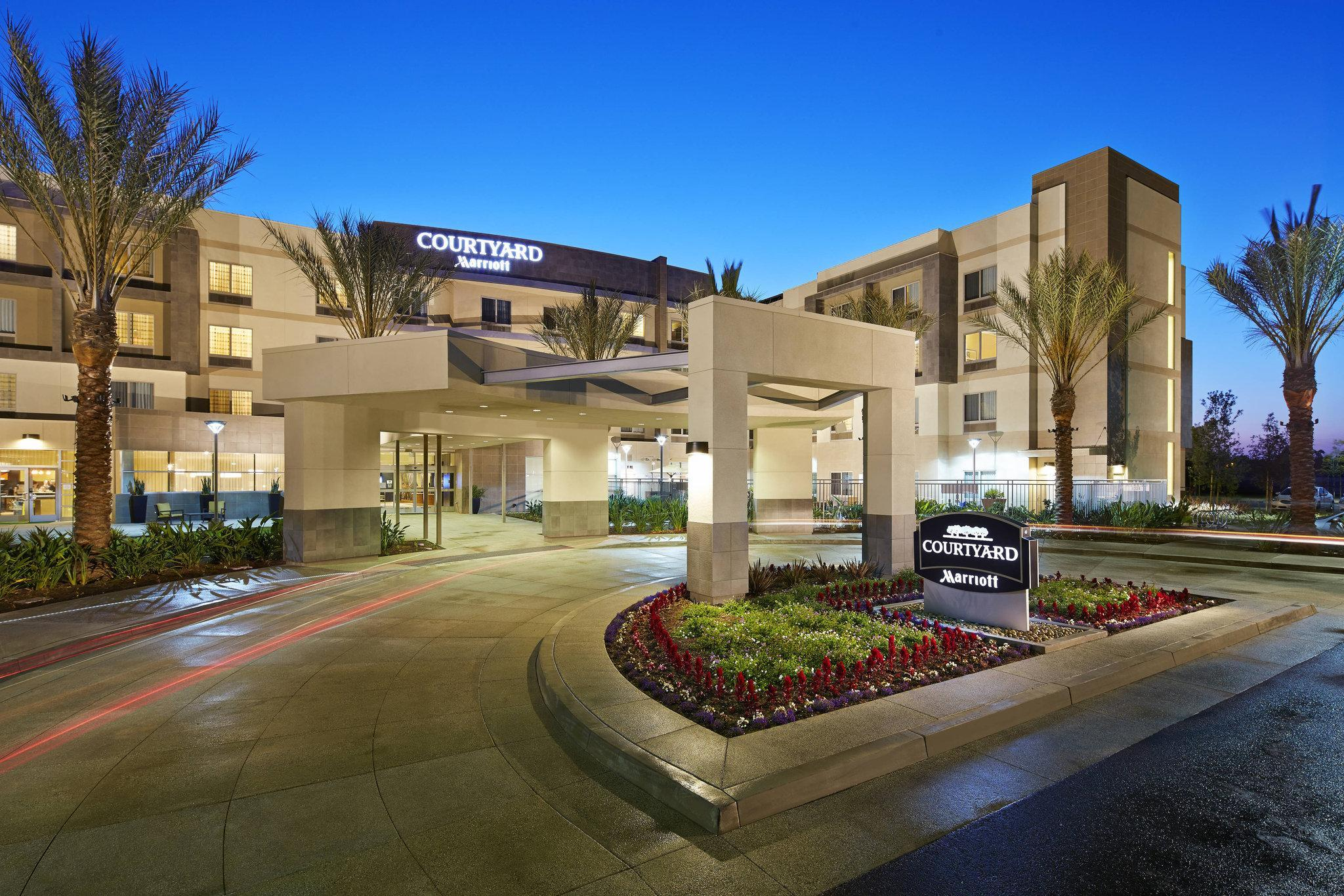 Courtyard Long Beach Airport