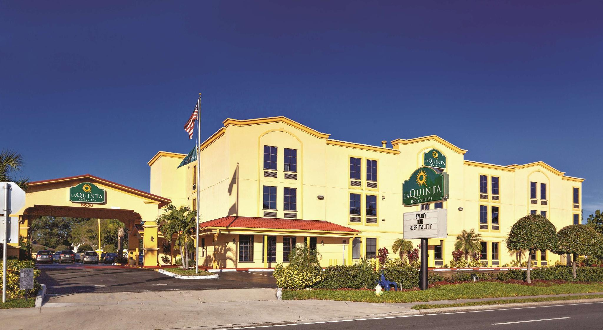La Quinta Inn And Suites By Wyndham St. Petersburg Northeast