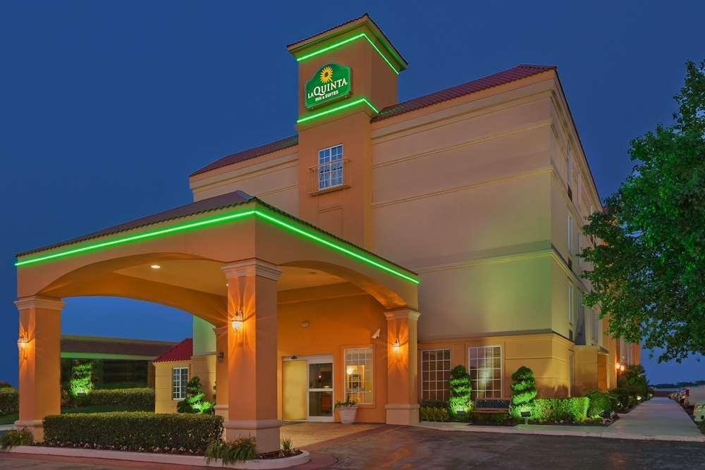 La Quinta Inn And Suites Tulsa Central