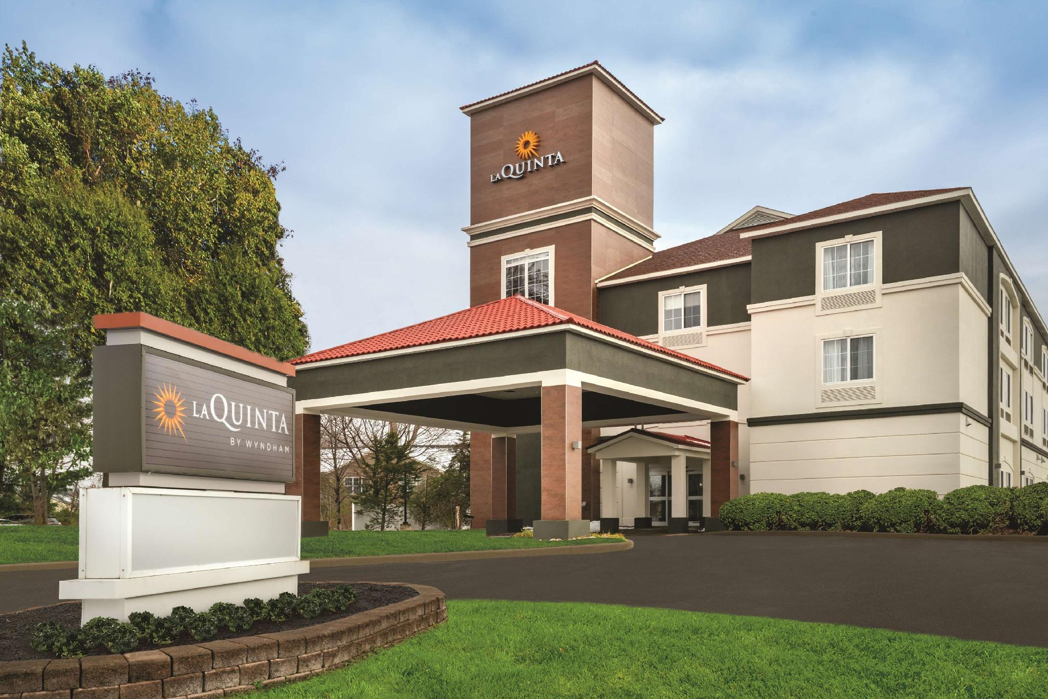 La Quinta Inn And Suites By Wyndham Latham Albany Airport
