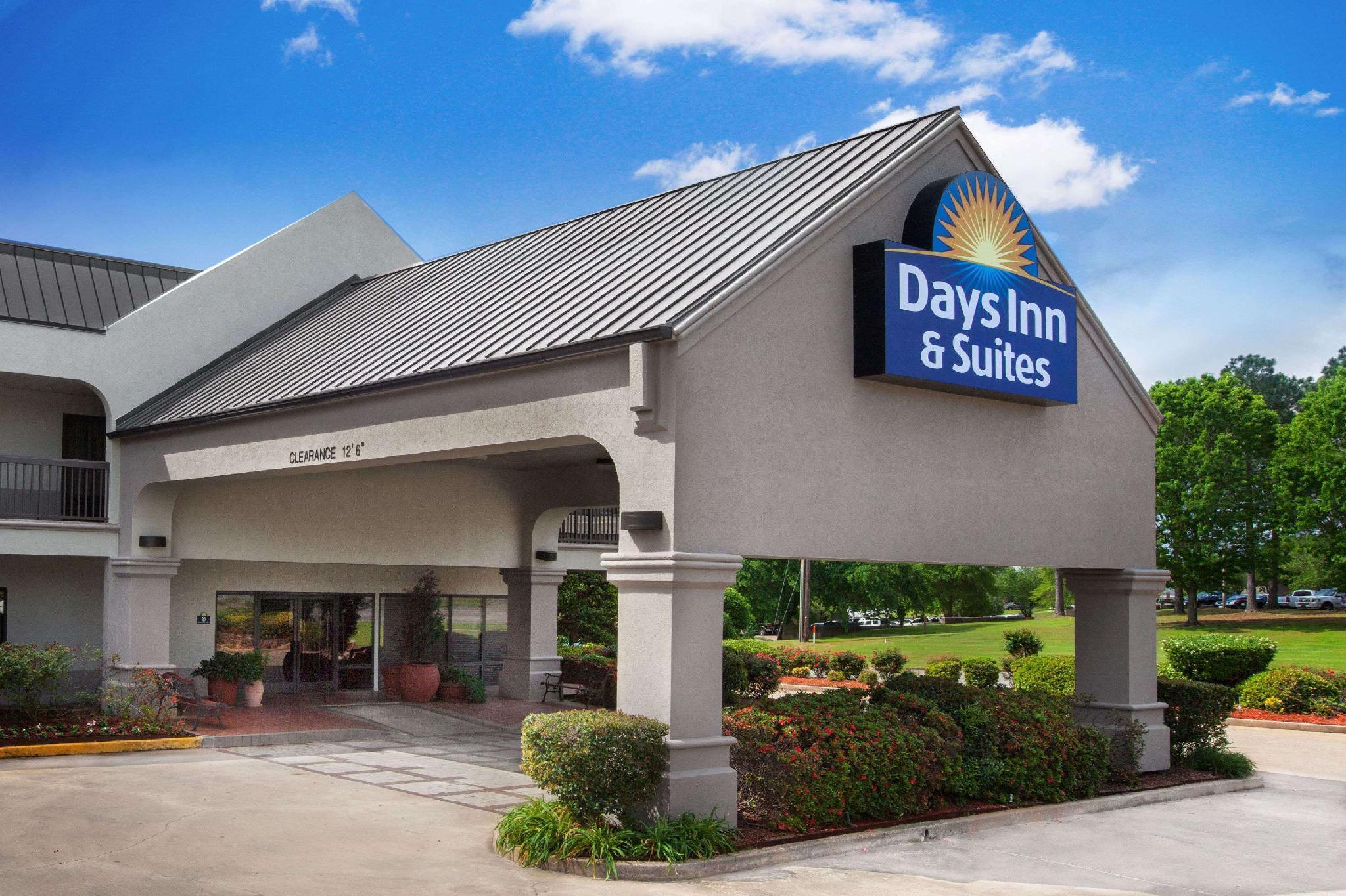Days Inn & Suites By Wyndham Tyler