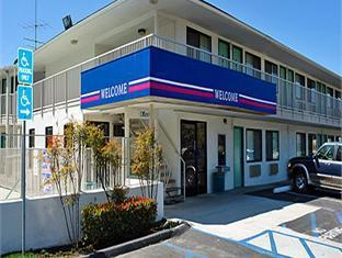 Фото отеля Motel 6 Los Angeles - Rosemead