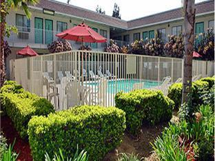 Motel 6 Temecula -Historic Old Town