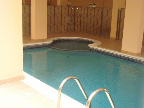 Sunshine Suites Hotel