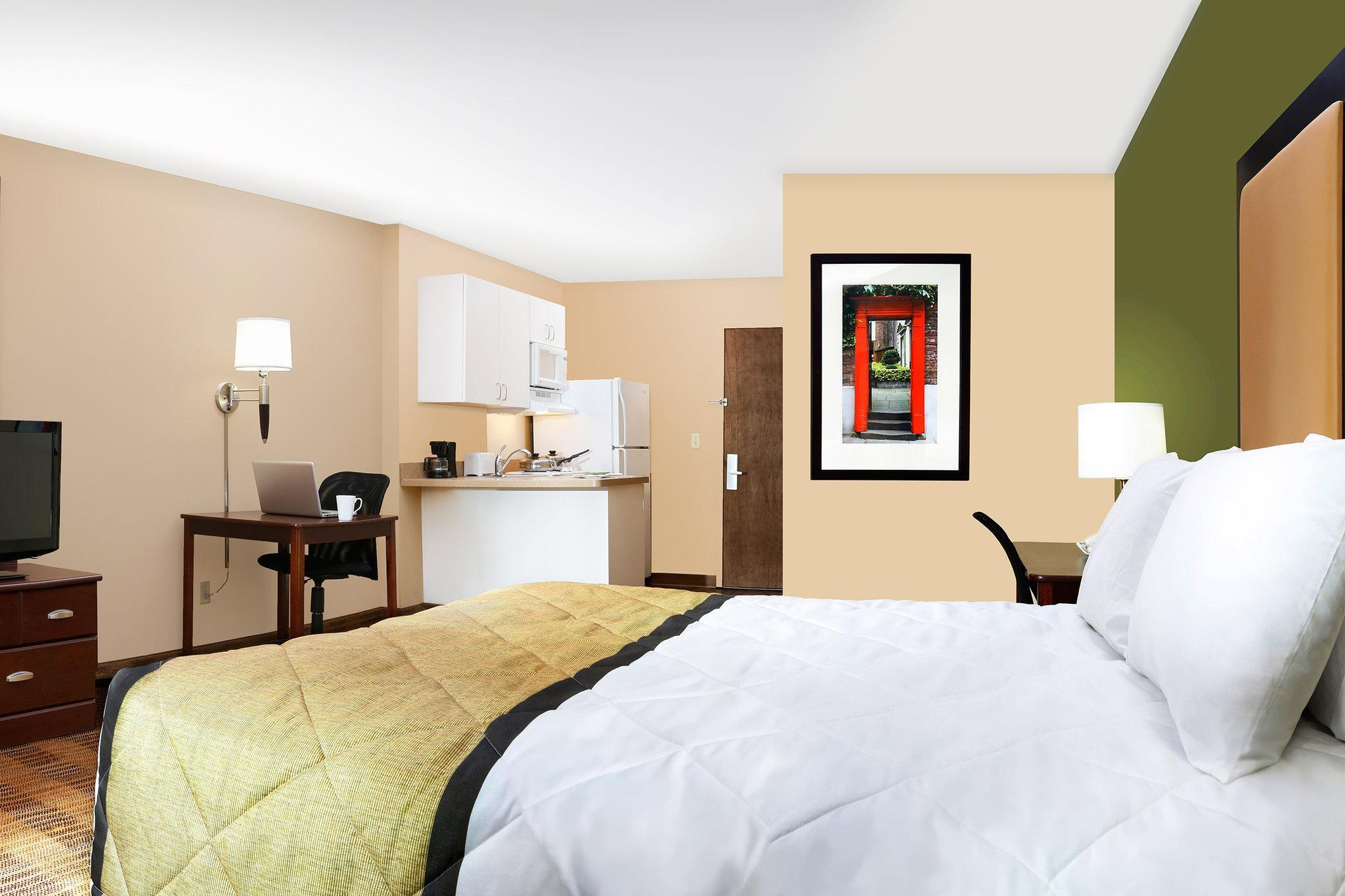 Extended Stay America Detroit Auburn Hills Feathersto