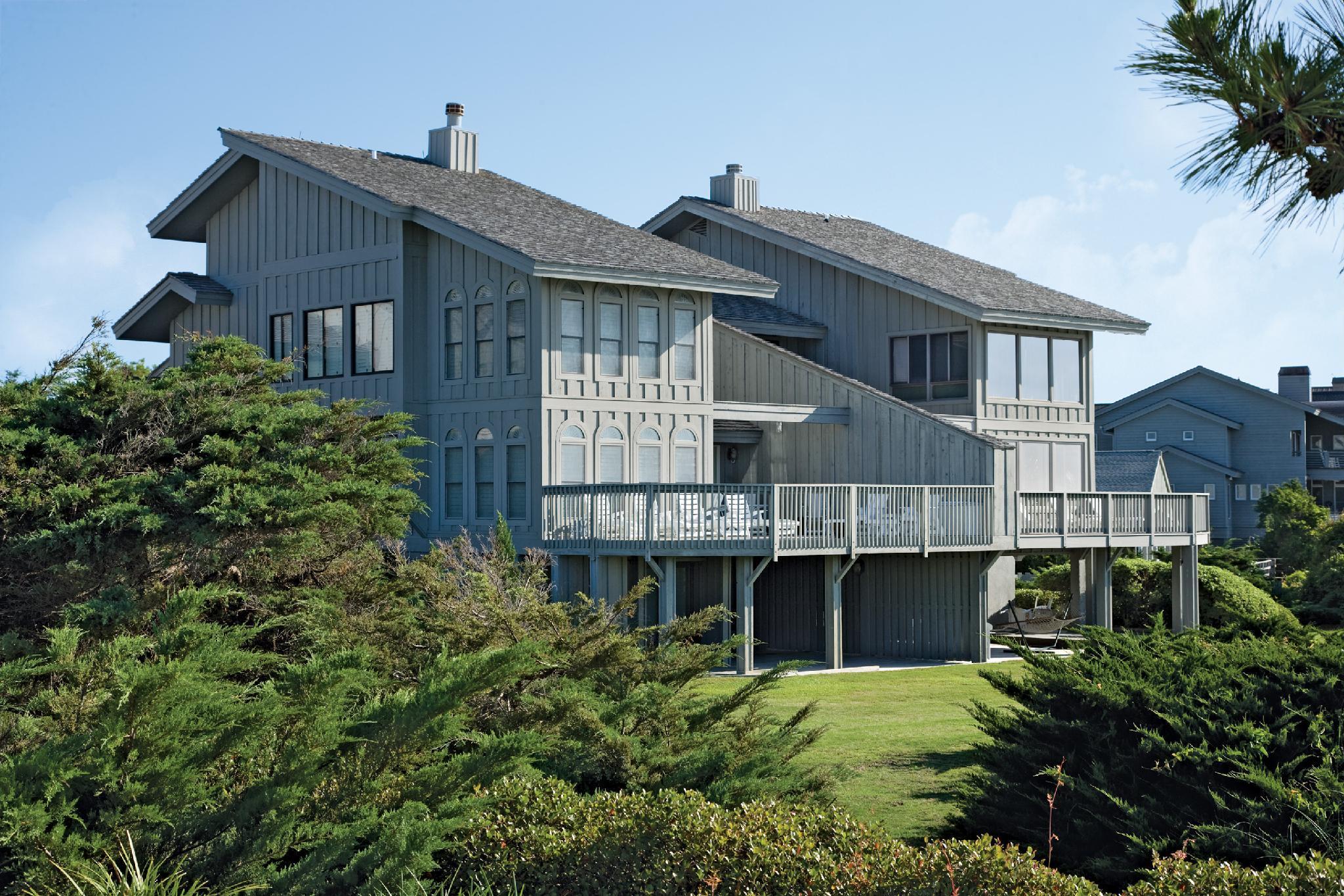 Litchfield Beach And Golf Resort