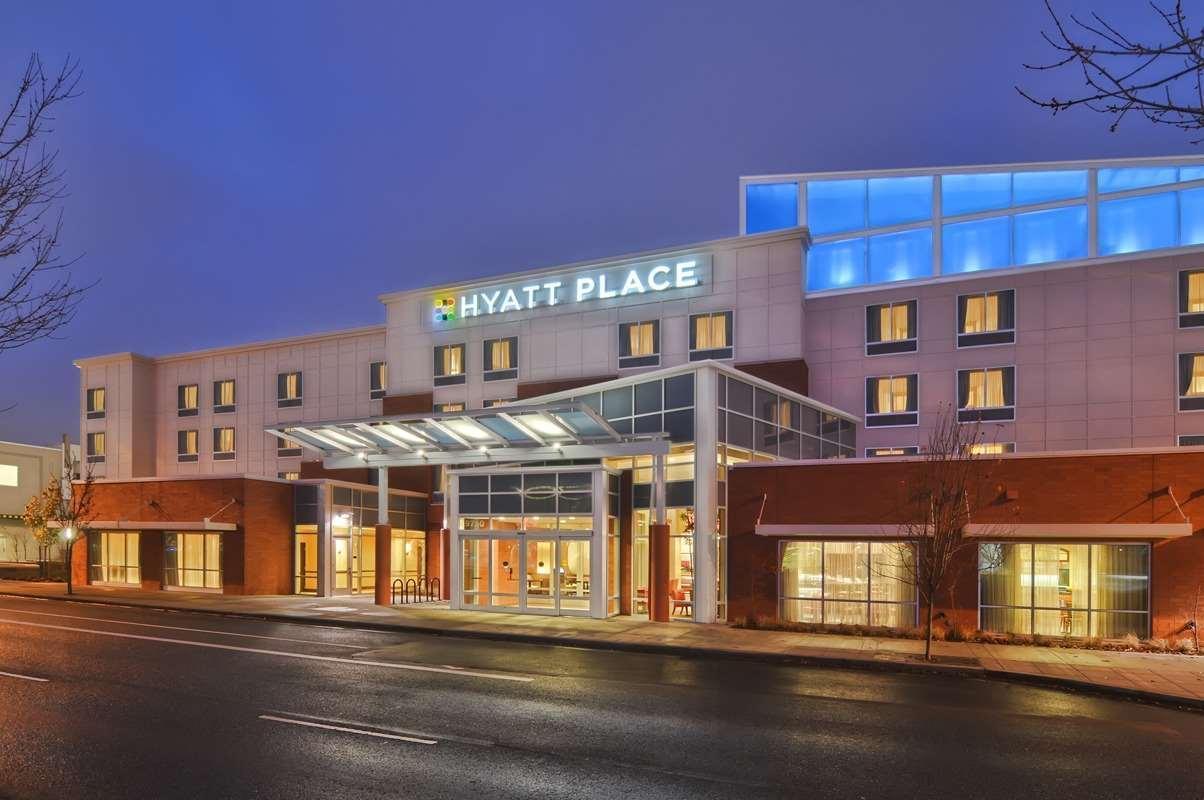 Hyatt Place Portland Airport Cascade Station