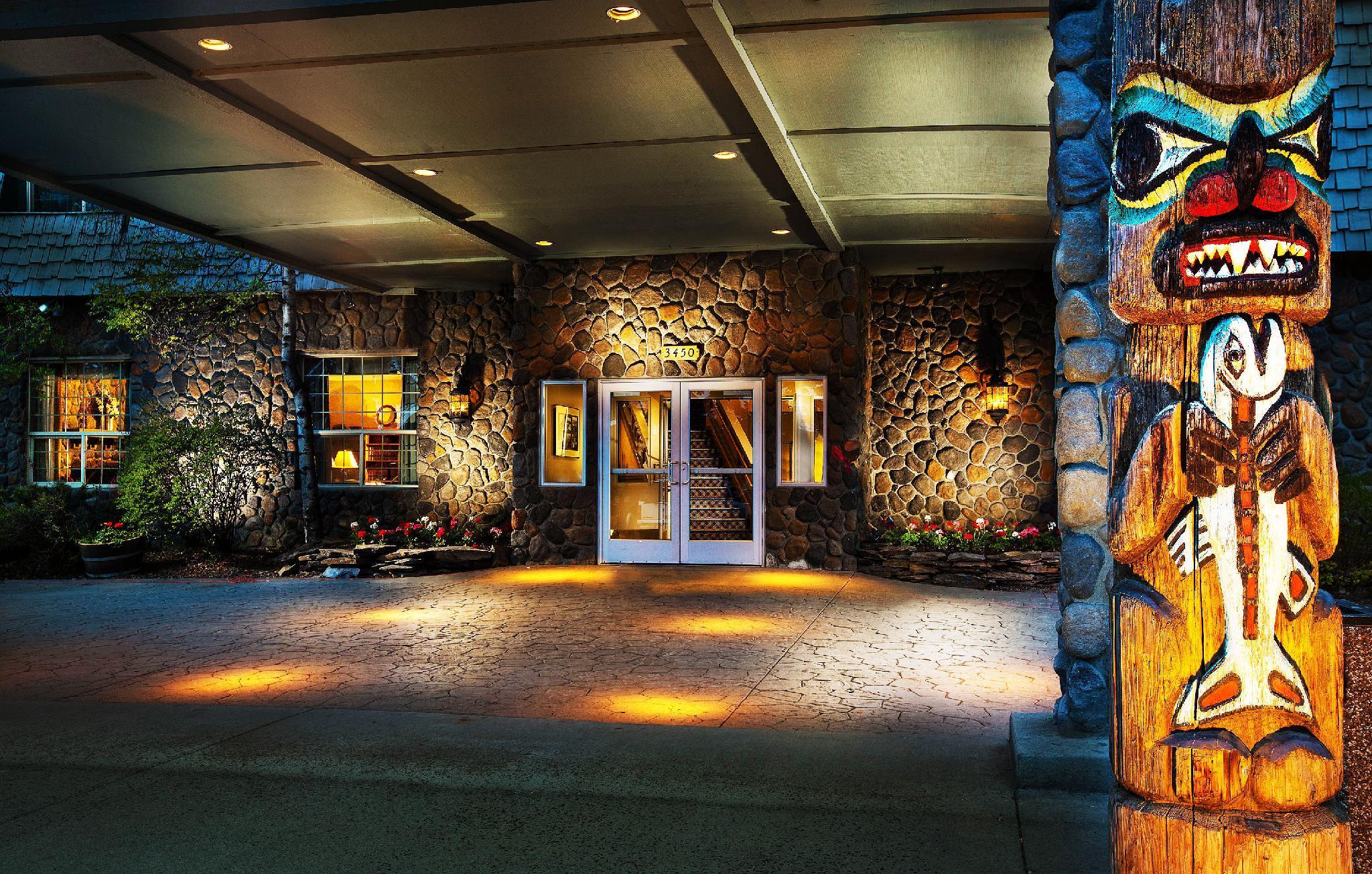 Coast International Inn