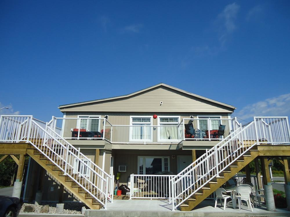 Bayside Inn And Waterfront Suites