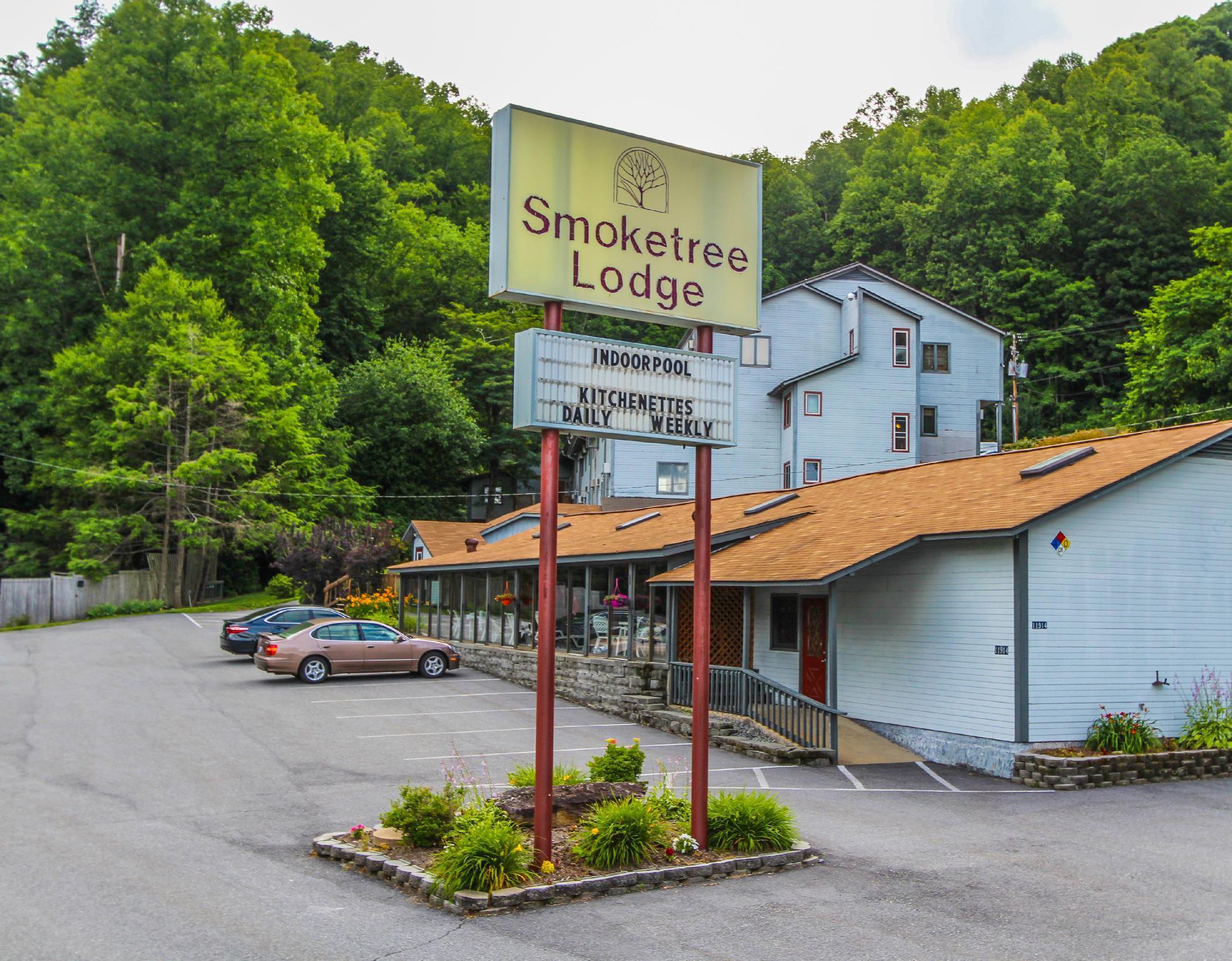 Smoketree Lodge By VRI Resort