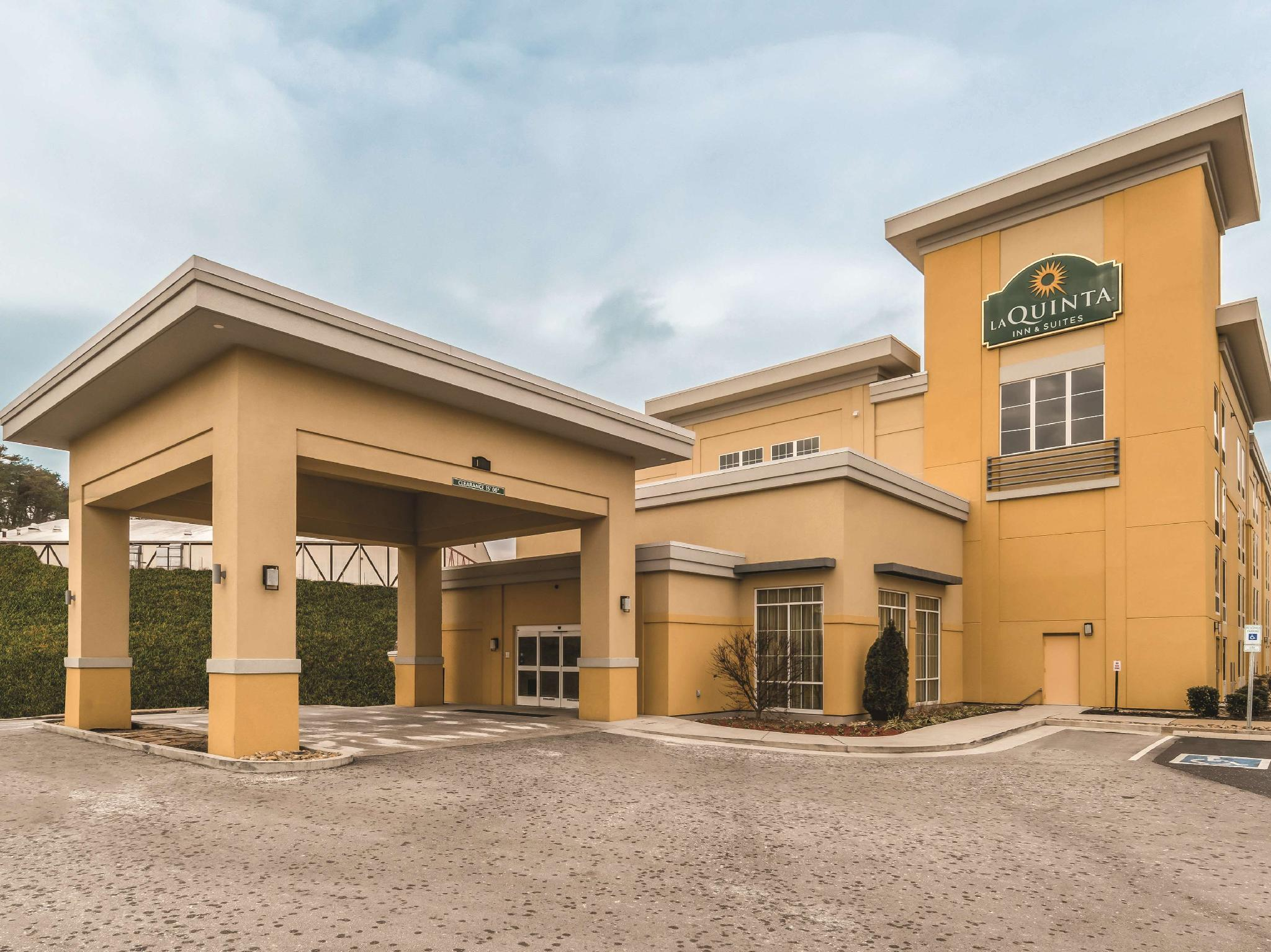 La Quinta Inn And Suites By Wyndham Knoxville Papermill