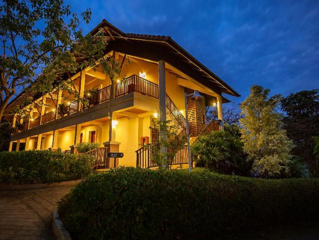 วนาศรม รีสอร์ต – Wanasom Resort
