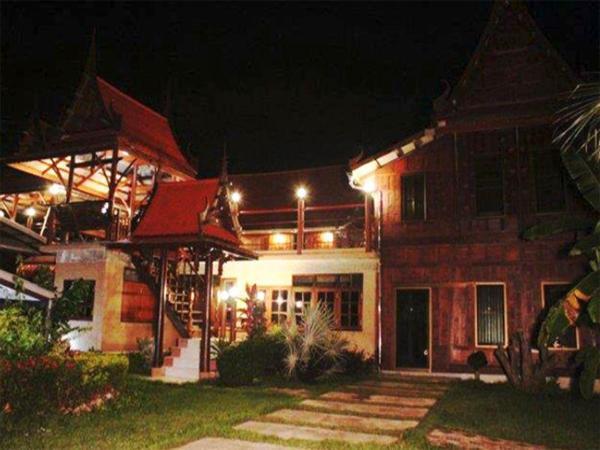 Ruenthai Bangkung Resort Amphawa