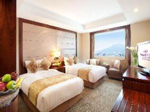Crowne Plaza Nanjing Hotels & Suites