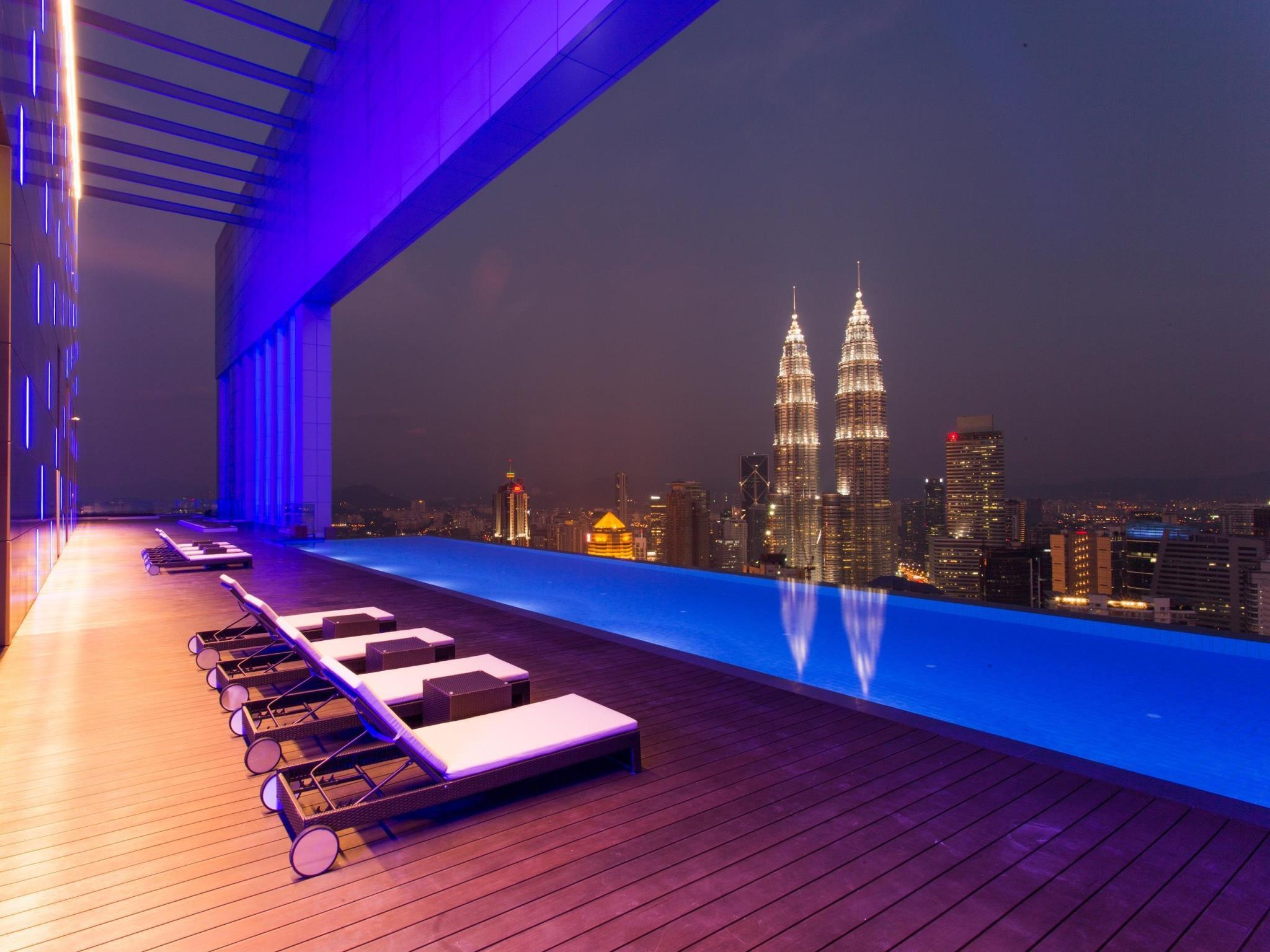 Face Suite With 360 View 51st Floor Infinity Pool