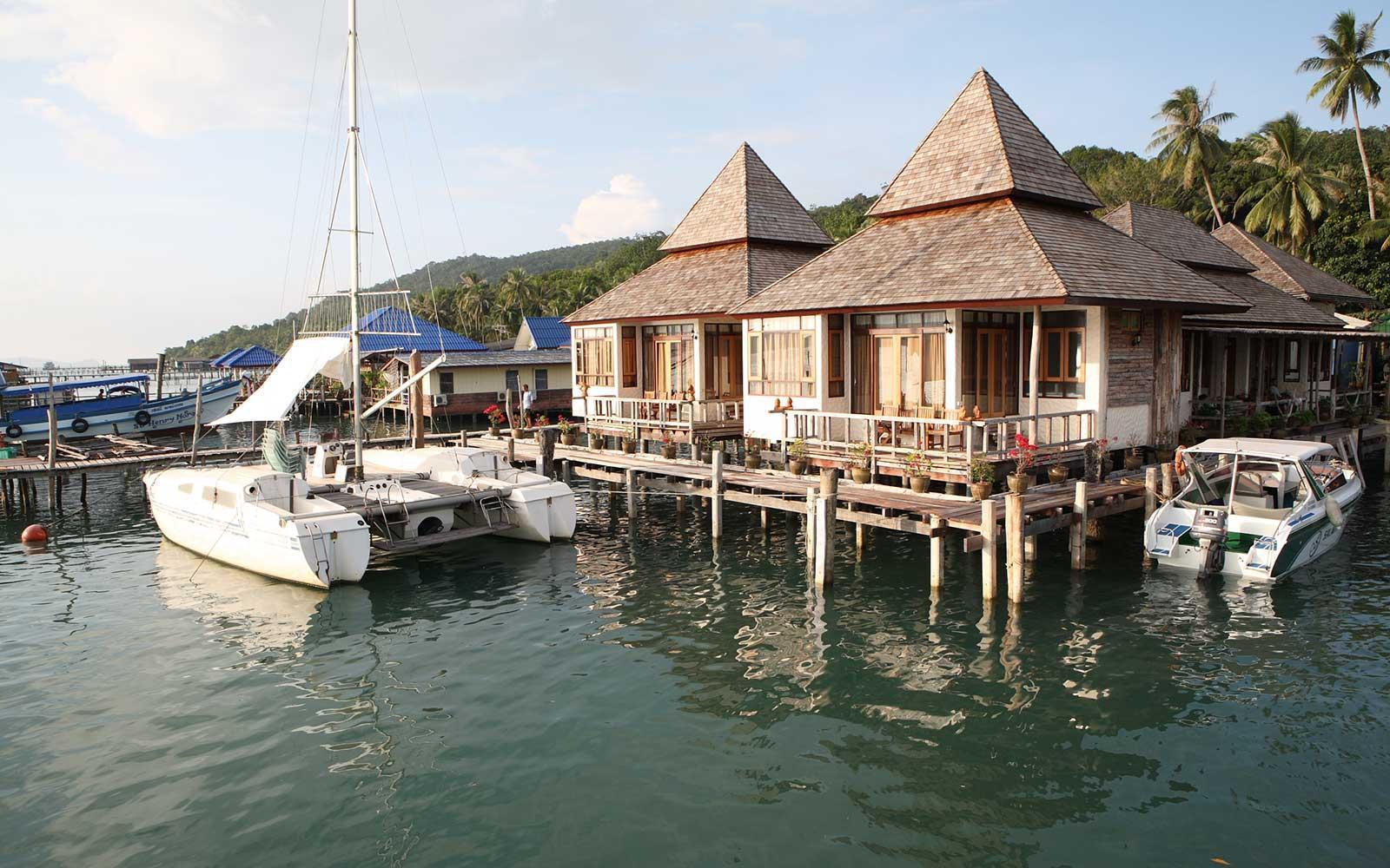 Salakphet Resort สลักเพชร รีสอร์ท