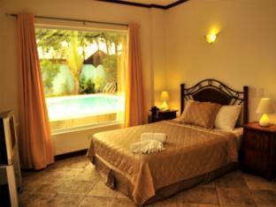 picture 2 of Beachcomber Resort Boracay