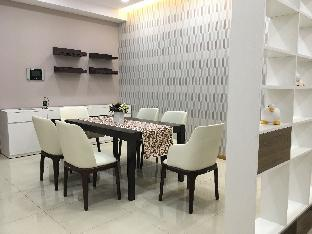 Saigon Pearl 3 bedrooms close to District 1