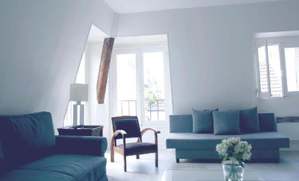 Furnished Apartment in the Heart of 8th District Paris