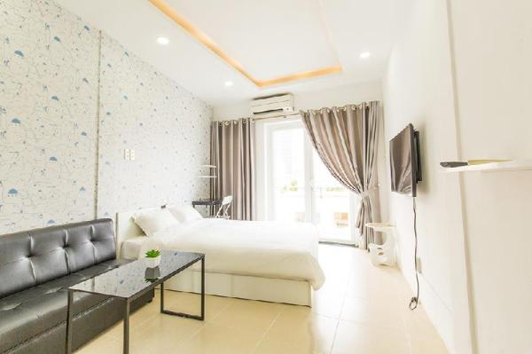 QHome Vo Van Tan High Floor with Balcony and City Ho Chi Minh City