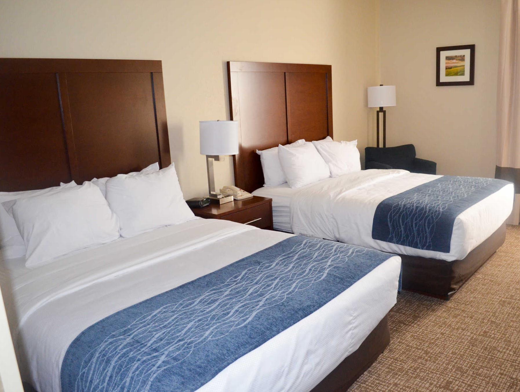 Comfort Inn & Suites Junction City   Near Fort Riley