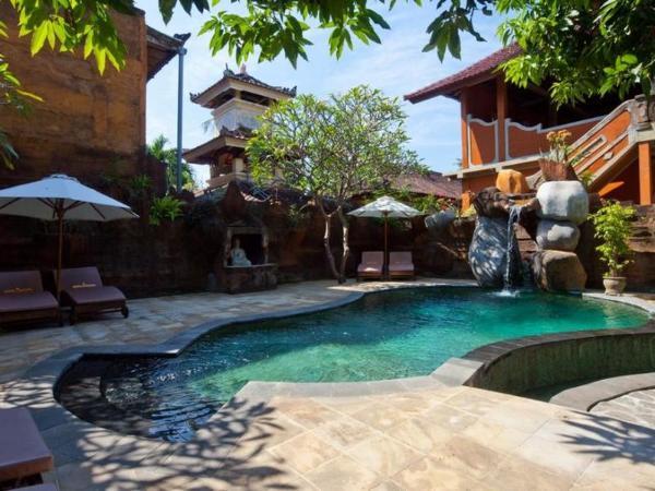 Chonos Hotel Bali