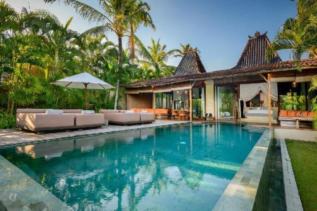 2 Bedroom Absolute Beachfront Villa