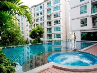 Convenient  luxury Sukhumvit BTS  pool & gym 1BR Convenient  luxury Sukhumvit BTS  pool & gym 1BR
