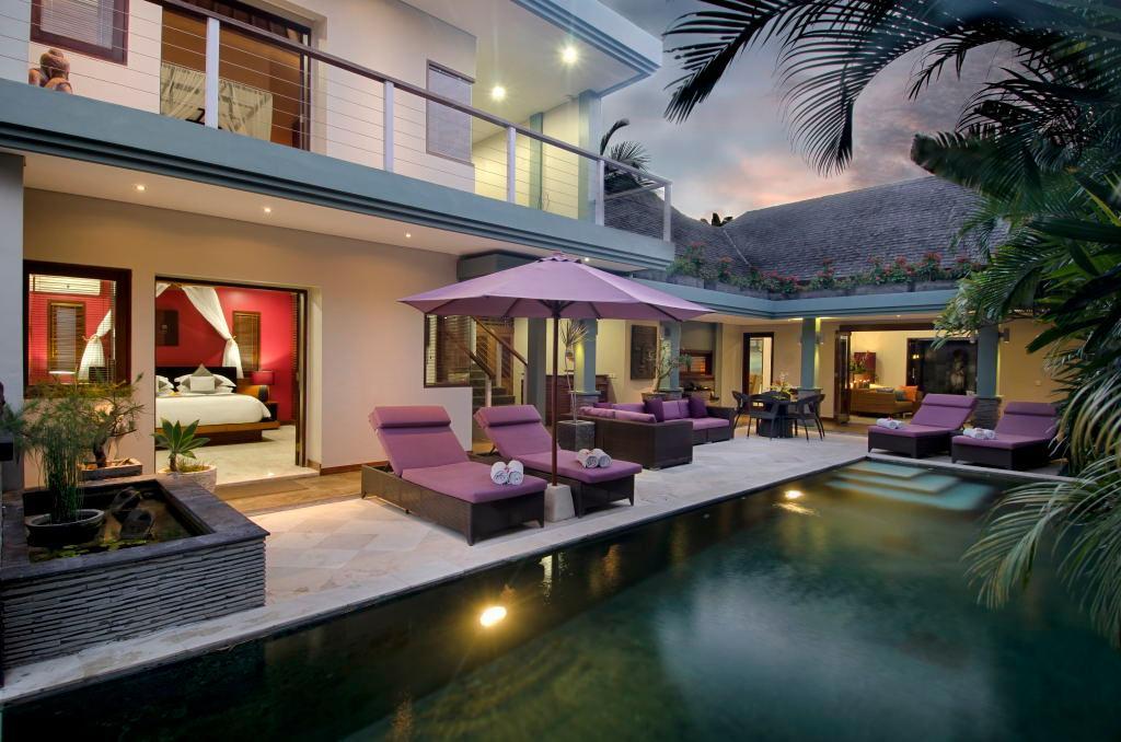 Villa Delapan