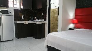 picture 3 of Luxury Suite A