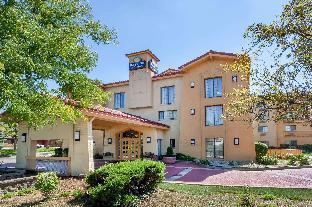 Days Inn & Suites by Wyndham Arlington Heights Arlington Heights (IL) Illinois United States