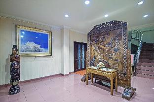 RedDoorz  Guesthouse near Kemang Raya Jakarta