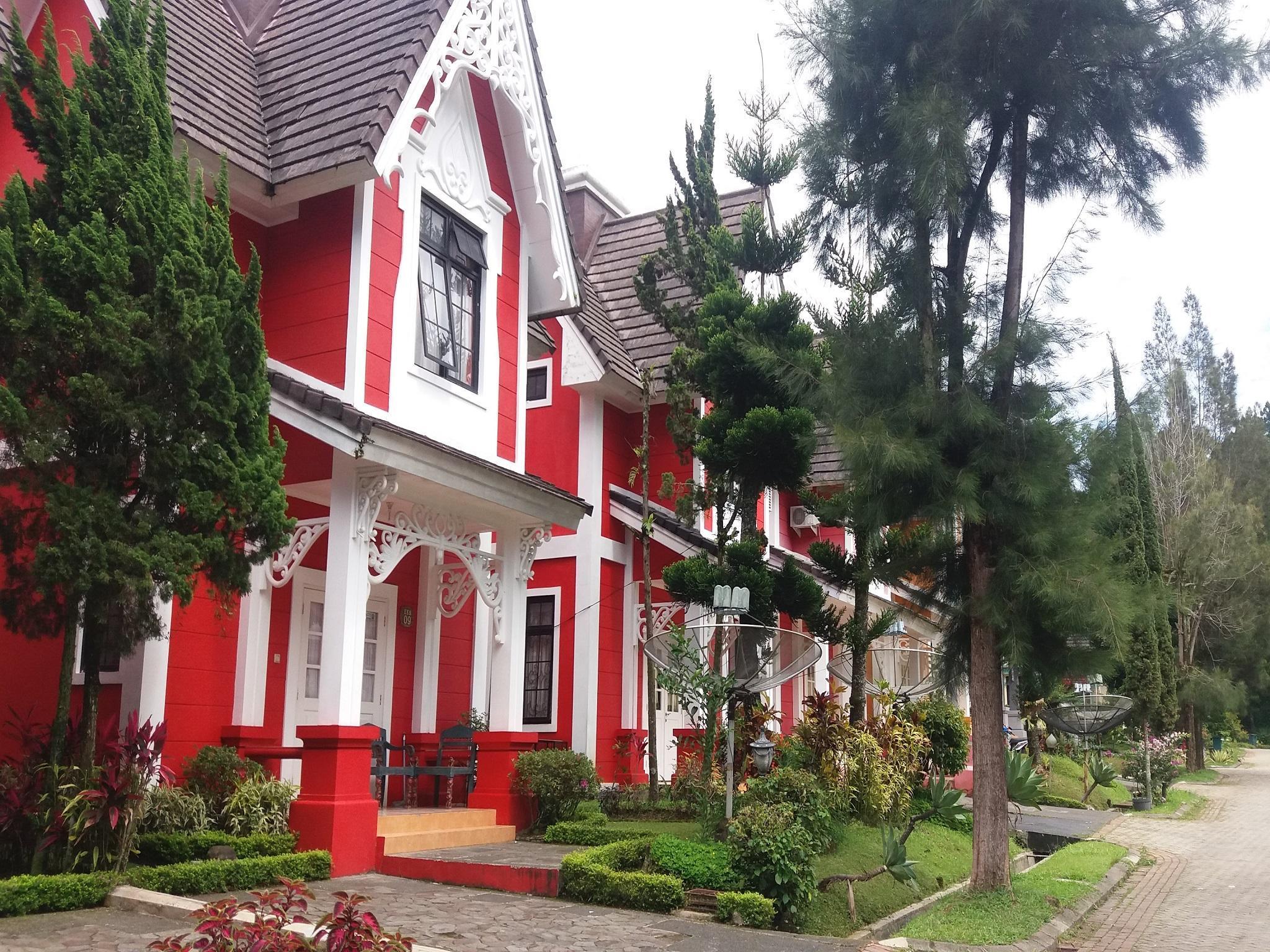 Fame Villa Belanda Kota Bunga