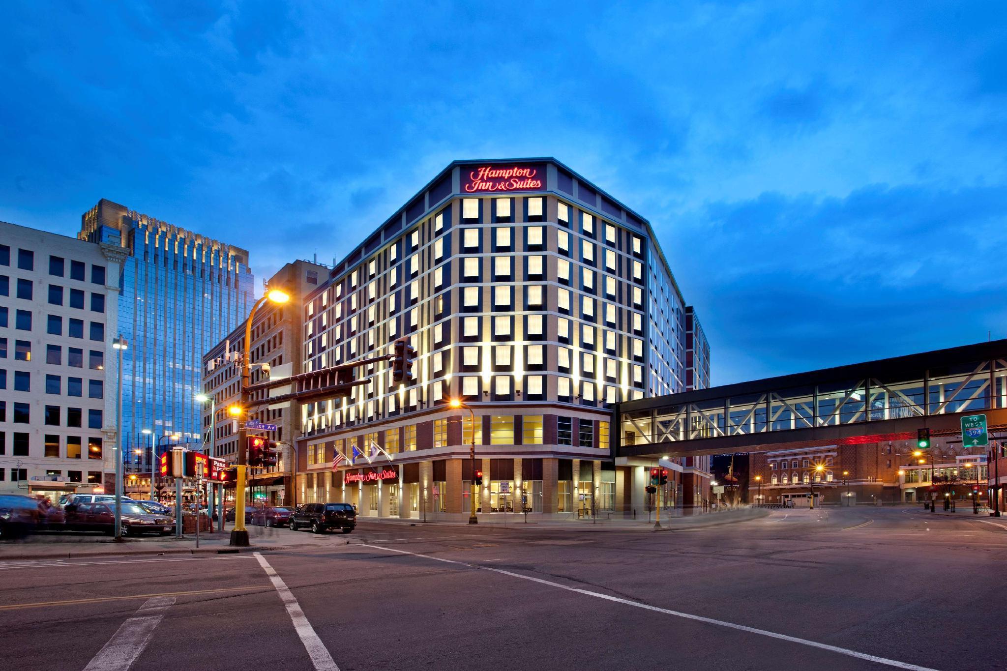 Hampton Inn and Suites Minneapolis Downtown