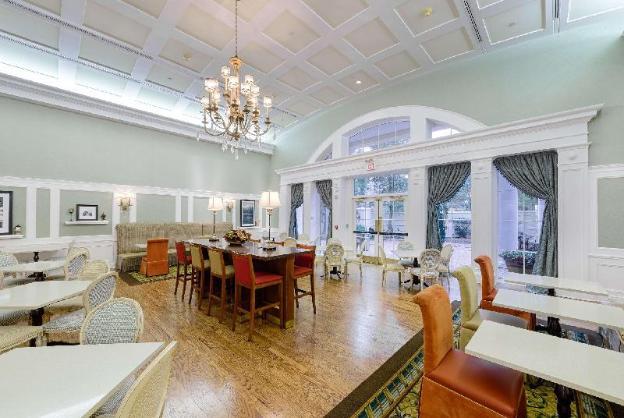 Hampton Inn & Suites-Charlotte/SouthPark at Phillips Place