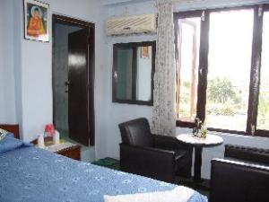 關於旅遊客棧飯店 (Hotel Travel inn)