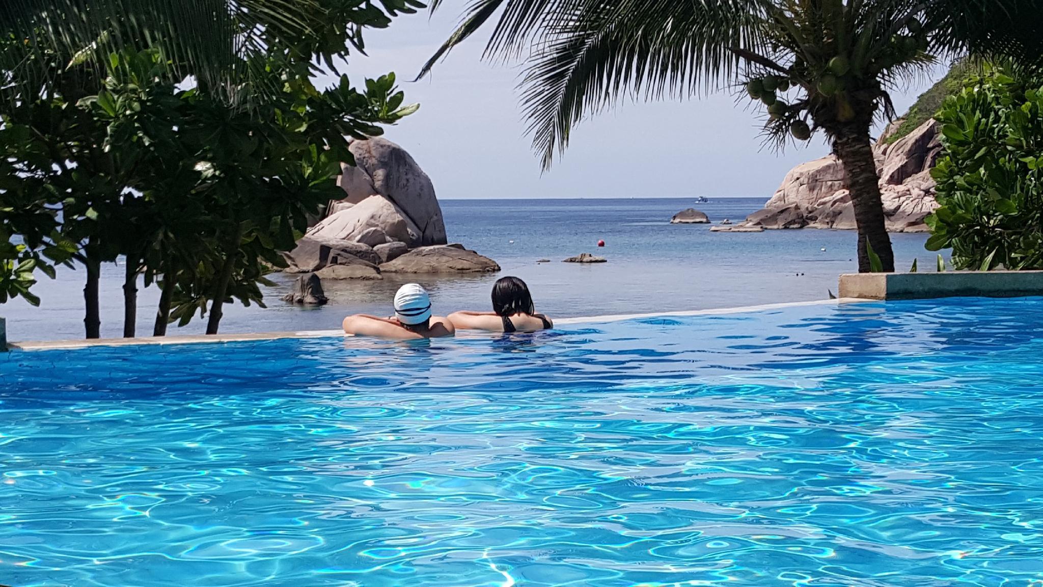 Montalay Beach Resort มนต์ทะเล บีช รีสอร์ท
