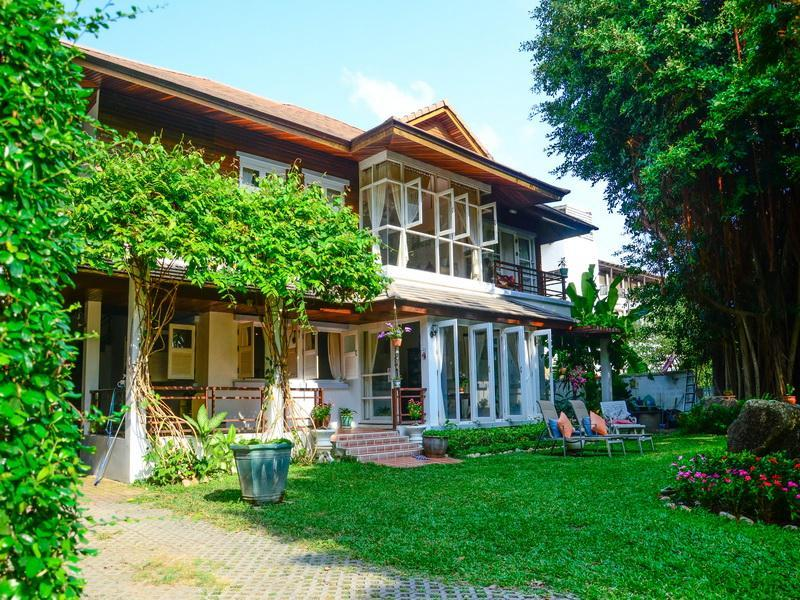Banyan House Samui Bed And Breakfast
