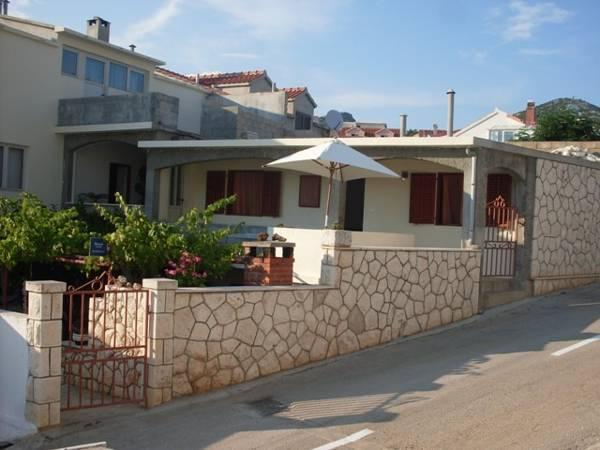 Apartments Huljic