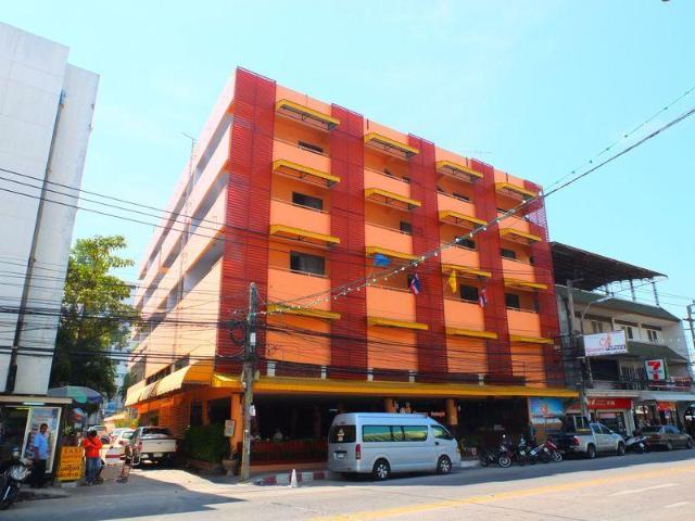 โรงแรมควีน พัทยา – Queen Pattaya Hotel