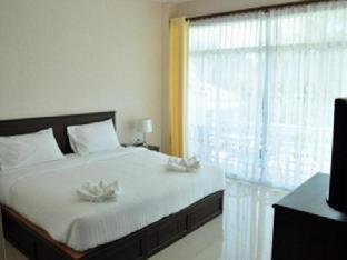 バーン ジーン ホテル サムロイヨド ビーチ Baan Jeen Hotel Samroiyod Beach