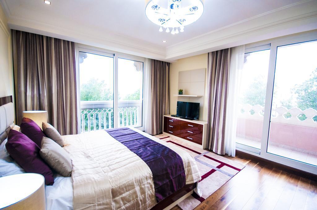 Mondo Living Palm Jumeirah Two Bedroom Apartment