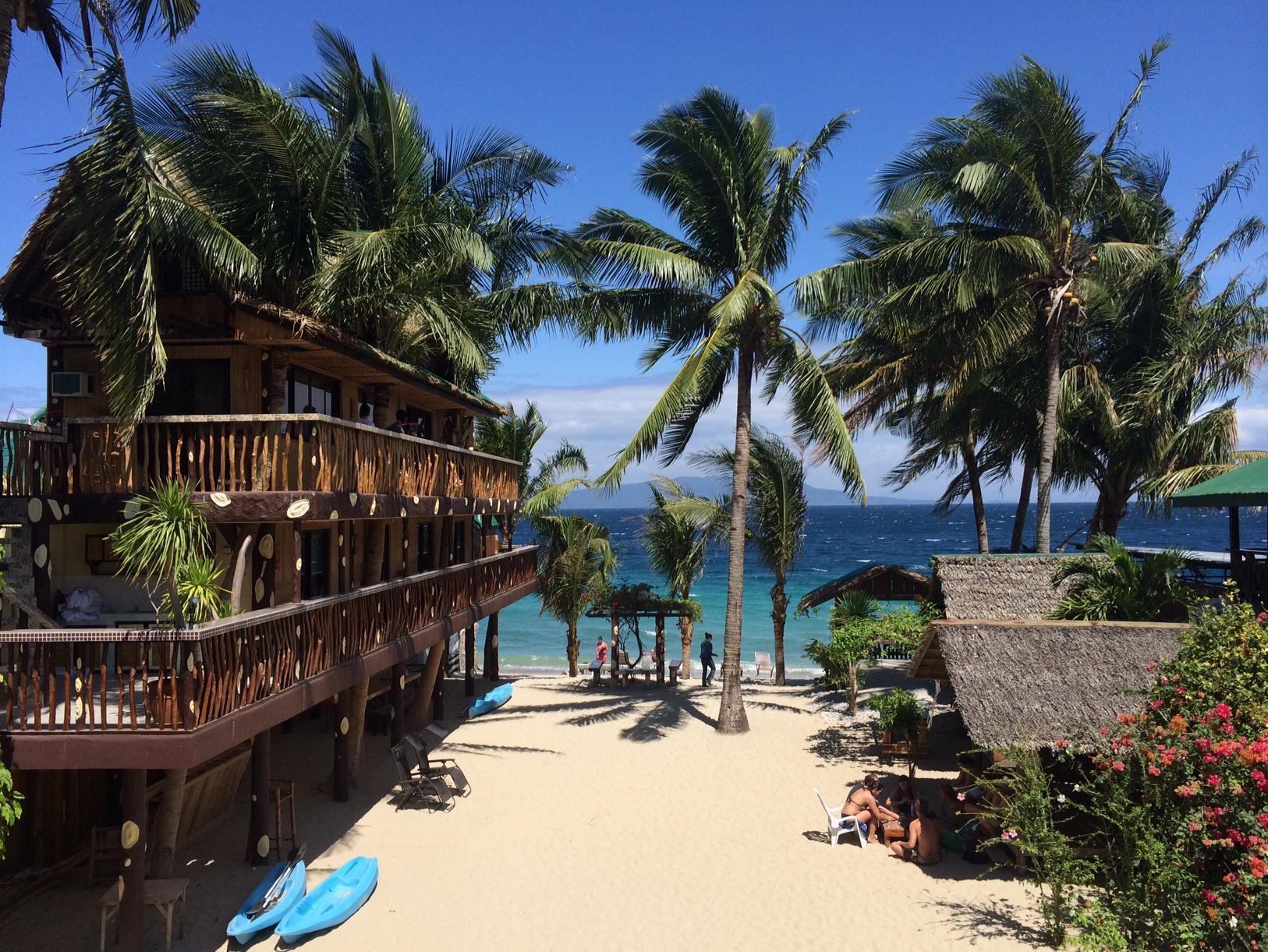 Bamboo House Beach Lodge And Restaurant