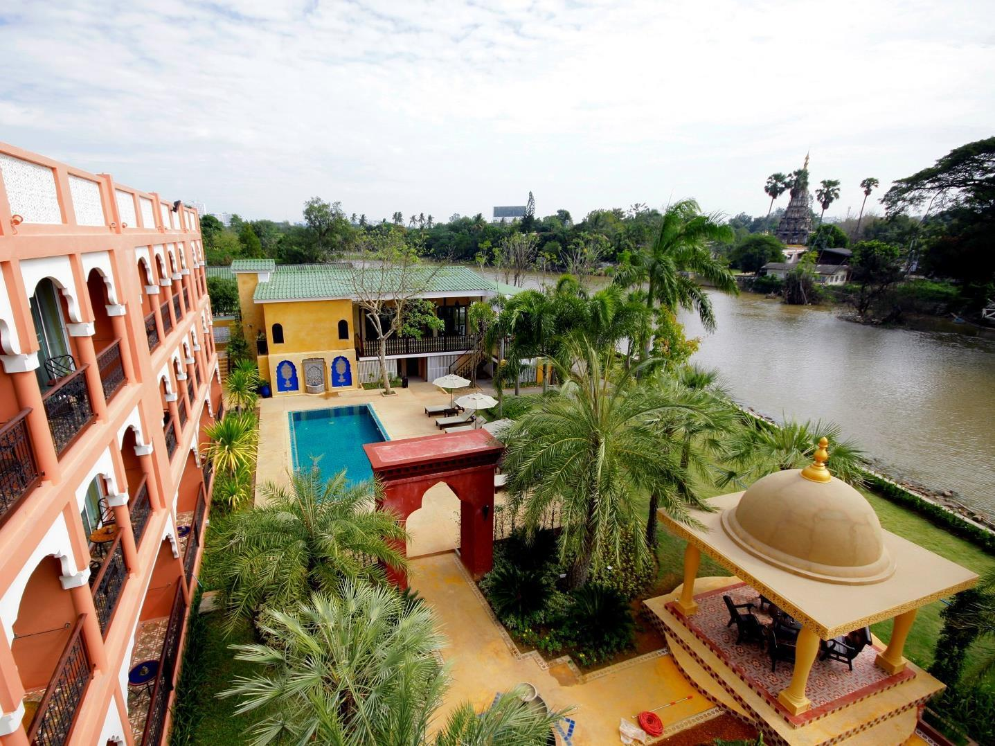 Sheik Istana Hotel โรงแรมชีค อิซทานา
