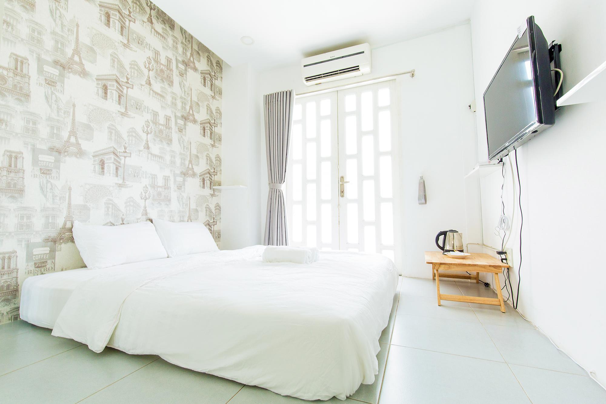 QHome Vo Van Tan Single Room With Big Rooftop