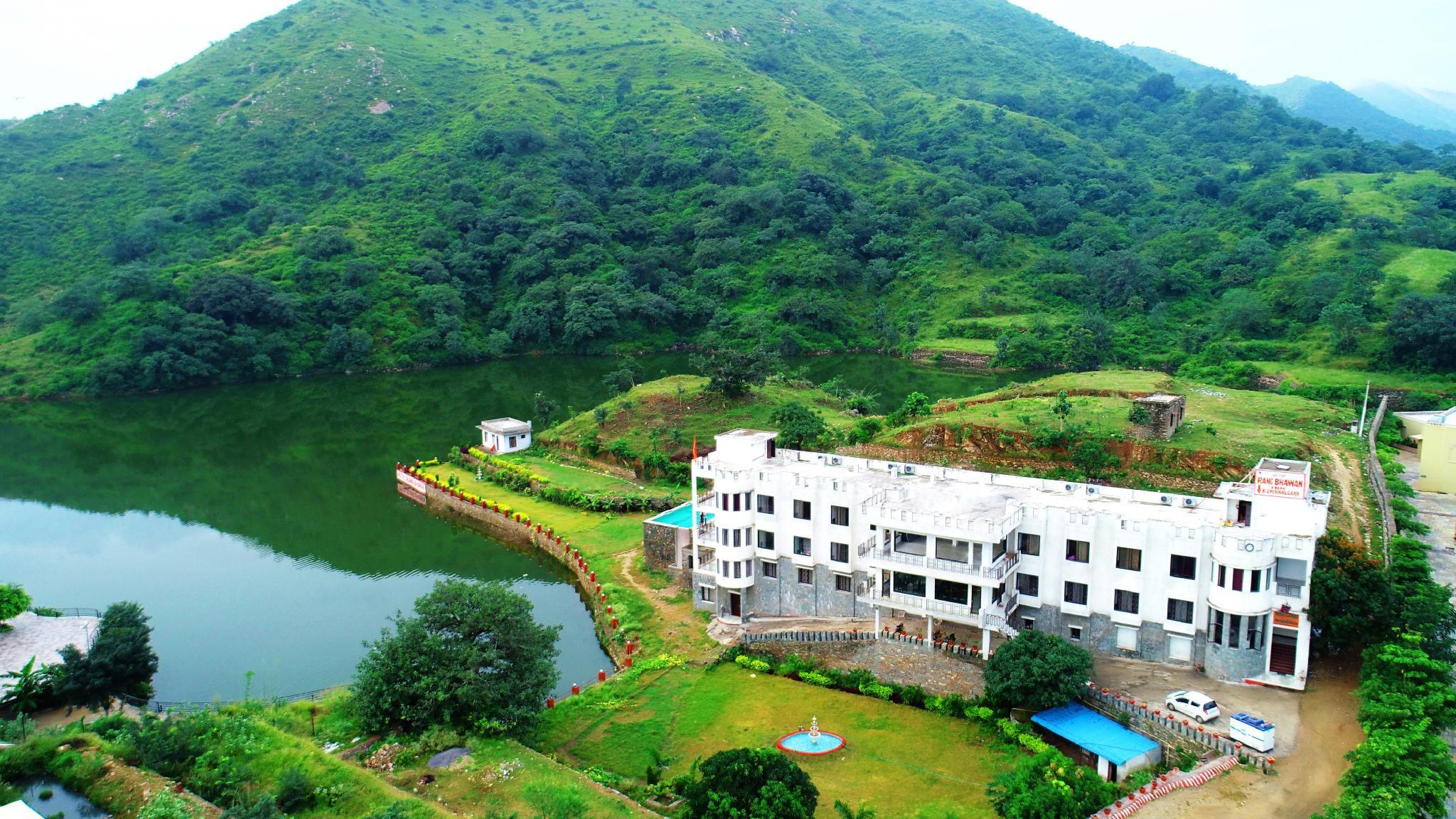 Rang Bhawan Inn   A Lake View Hotel